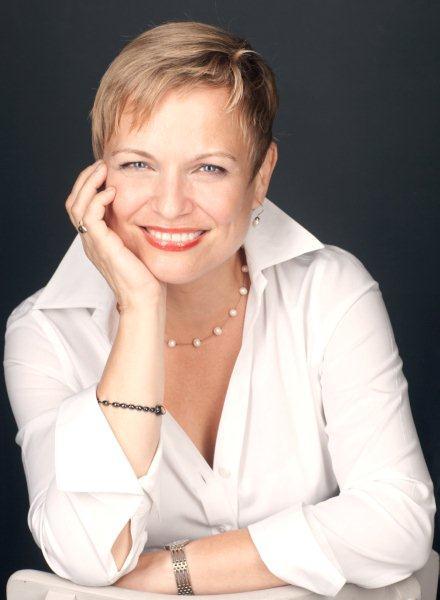 Julienne Ryan '81